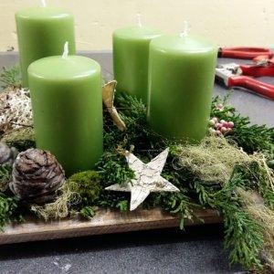 Adventsgesteck von einer Kursteilnehmerin SILBERKNOSPE