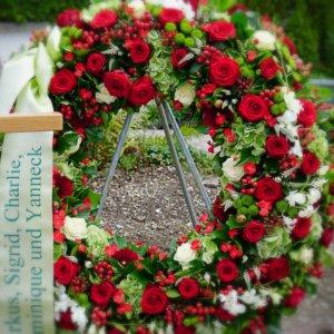 Trauerkranz Beerdigung SILBERKNOSPE
