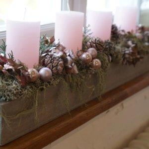 Adventsgesteck rosa SILBERKNOSPE
